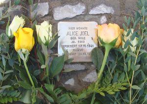 """Gedenken an die Opfer des Nationalsozialismus am S-Bahnhof Grunewald Mahnmal """"Gleis 17"""" am 27. Januar 15 – 16 Uhr"""