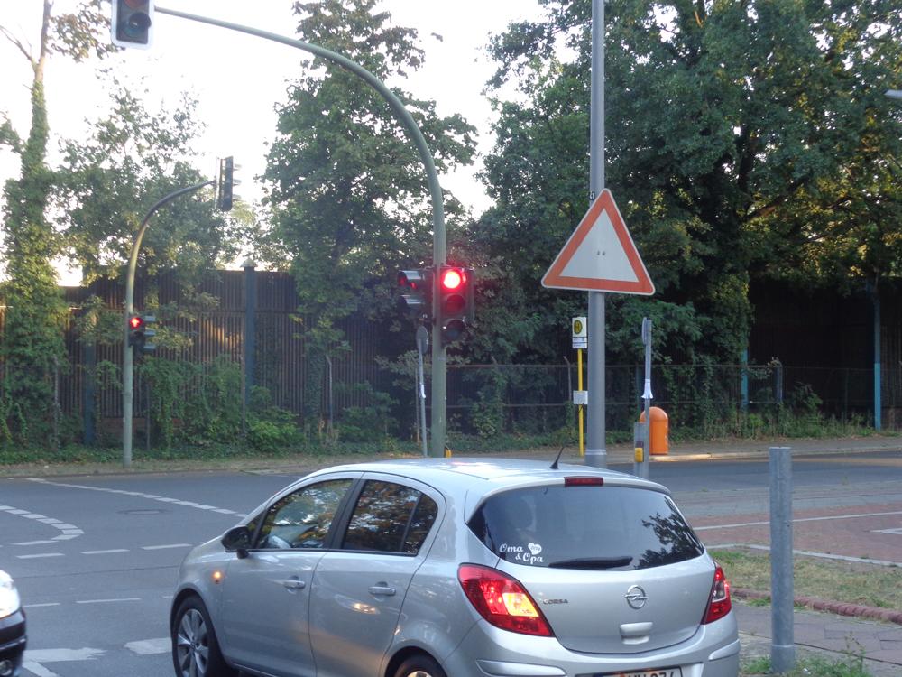 Kurioses an der Kreuzung Waldschulalle/Eichkampstraße