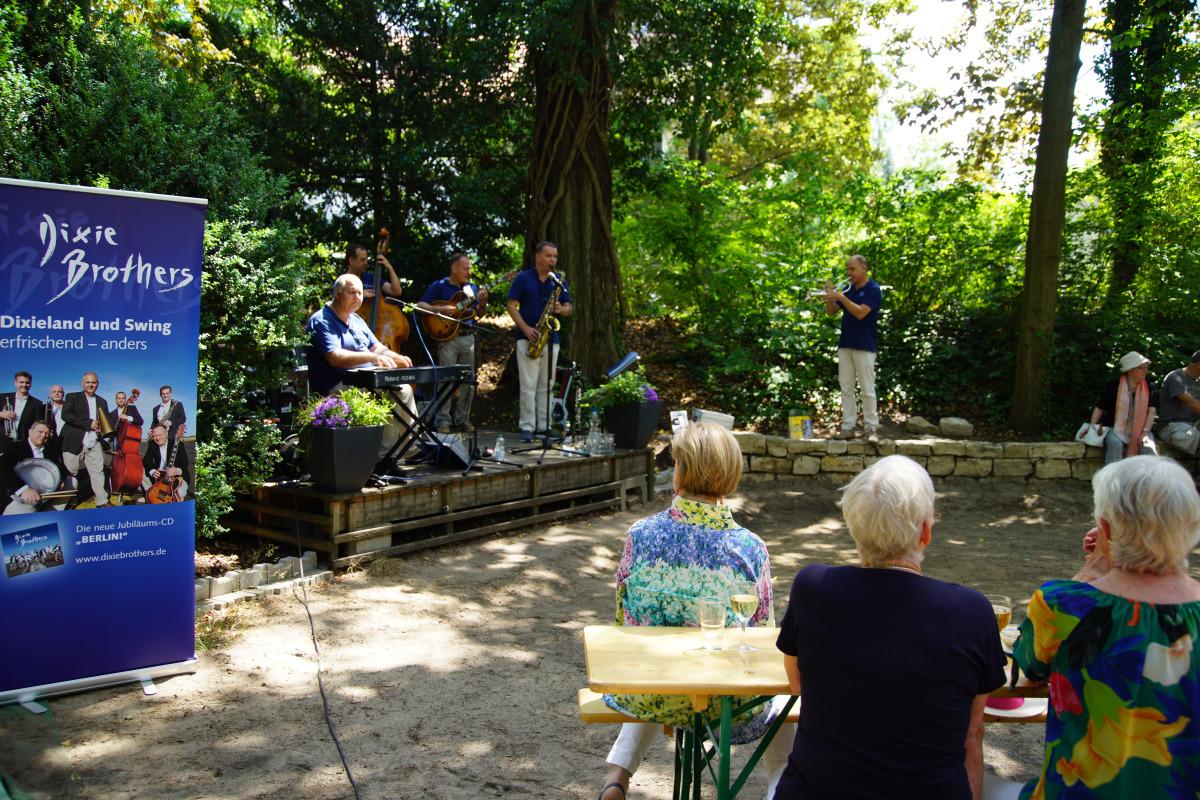 Jazz im Eichkamp mit den Dixi Brothers – ein kleiner Bilderbogen