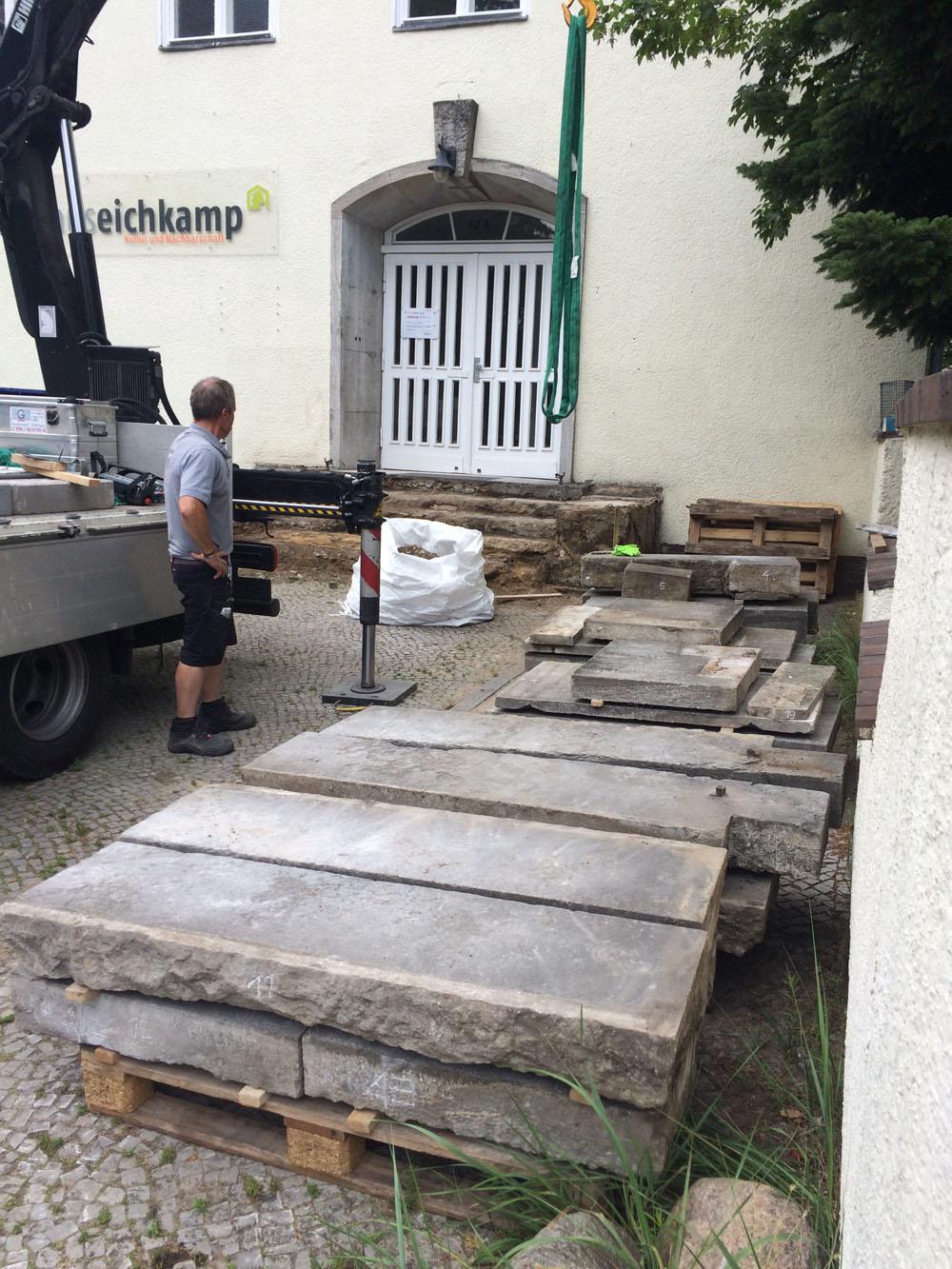 Baustelle Haus Eichkamp: Eingang wird saniert und umgebaut