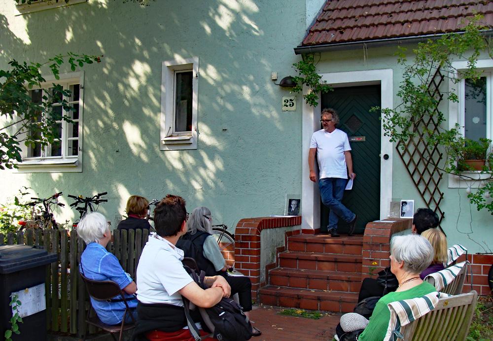 Stolpersteinspaziergang in Eichkamp zum Tag des offenen Denkmals