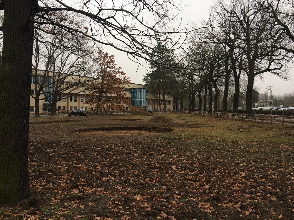 Begegnungsspielplatz vor dem Mommsenstadion: Baubeginn
